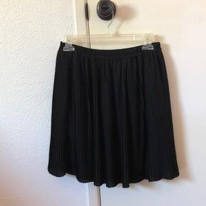 H&M black summer skirt!